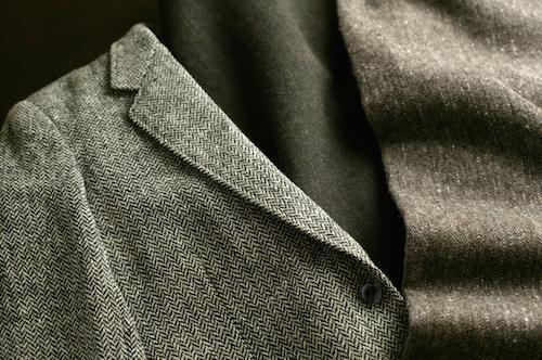 ネクタイを変えるだけ!ビジネススーツを秋っぽく見せるコツ