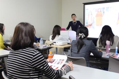 日本最大級のアパレル展示会で接客テクニックに関する講演を行います