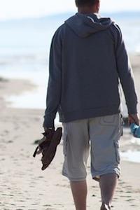 ゆったりしたシルエットで着やせする男性のコーディネート