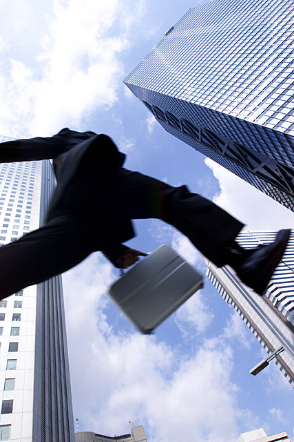 異動、昇進、転職・・・キャリアの転機に必要なのは、自分を高く見せること